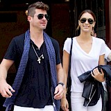 Robin Thicke to be a dad